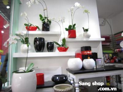 Sang shop hoa Quận Tân Phú