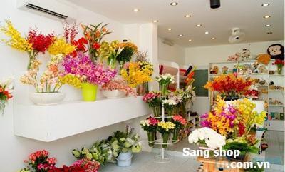 Sang shop hoa tươi đường Quang Trung