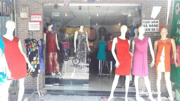 Sang shop hoặc mặt bằng shop thời trang