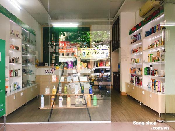 Sang shop hoặc sang mặt bằng shop mỹ phẩm