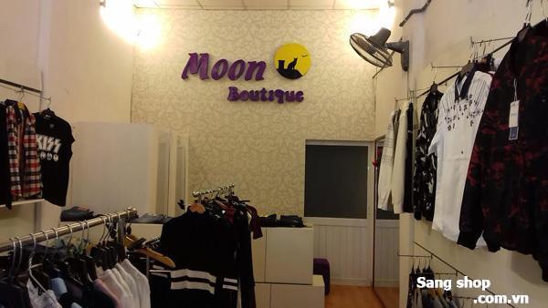 Sang shop hoặc sang mặt bằng shop quần áo thời trang