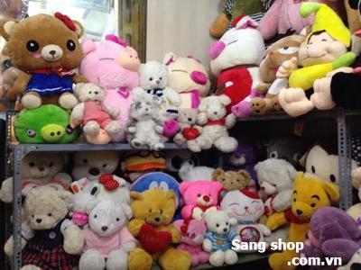 Sang Shop gấu bông mặt tiền đường CMT 8