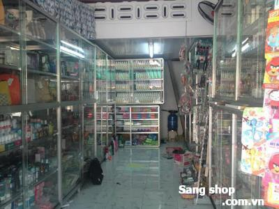 Sang shop mỹ phẩm kênh Tân Hóa