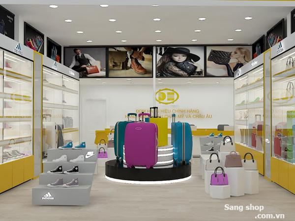 Sang Shop nằm ở mặt tiền đường Lê Trọng Tấn