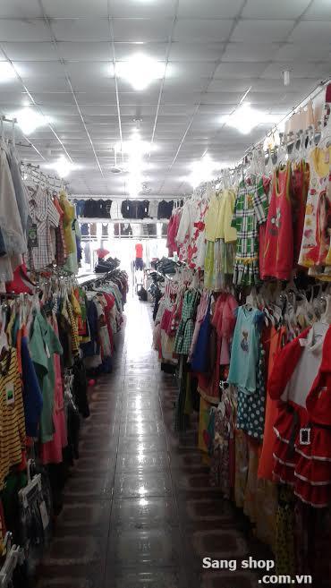 Sang shop quần áo đang hoạt động rất tốt