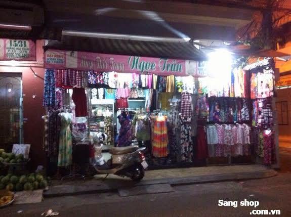 Sang shop quần áo nữ, gần chợ Hoàng Hoa Thám,
