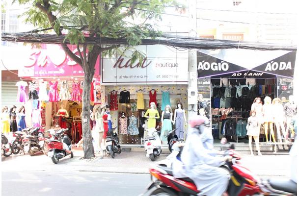 Sang shop quần áo nữ mặt tiền 18 Lê Văn Sỹ