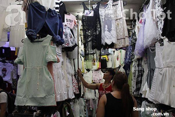 Sang shop quần áo tại chợ Phạm Văn Hai