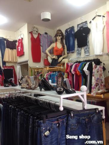 Sang shop thời trang cao cấp đường Lê Văn Sỹ.