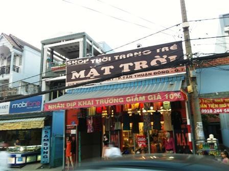 Sang shop thời trang Huỳnh Tấn Phát, quận 7