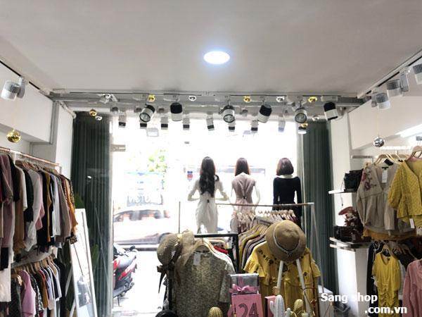 Sang shop thời trang mặt tiền Huỳnh Văn Bánh