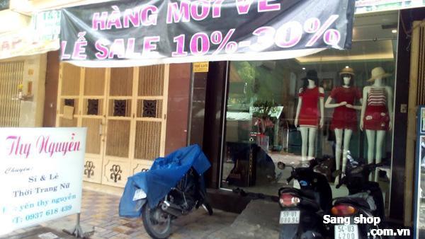Sang shop thời trang năm ở mặt tiền Tạ Quang Bửu
