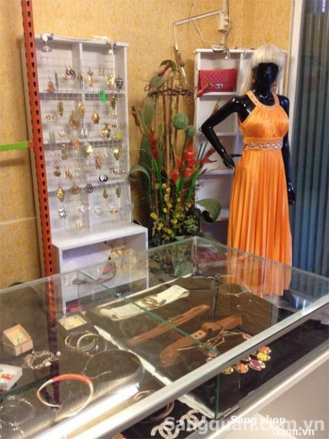 Sang shop thời trang Nữ  quận 1