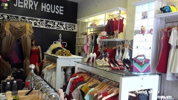 Sang shop thời trang nữ cao cấp mặt tiền đường Bàu Cát