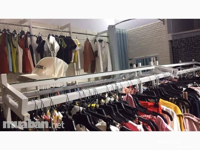 Sang shop thời trang nữ đang buôn bán ổn định