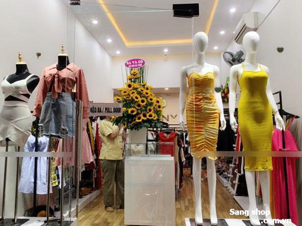 Sang shop thời trang nữ mặt tiền đường đang kinh doanh tốt