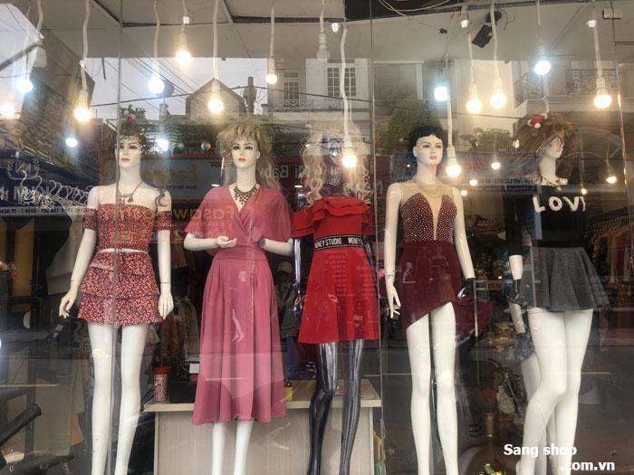 Sang Shop thời trang nữ ngay trung tâm thời trang Quận 7
