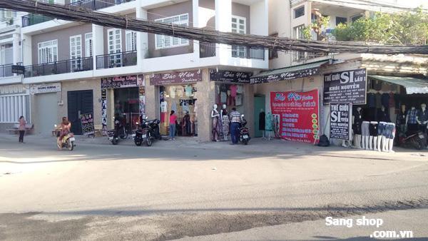 Sang shop thoi trang tại Phường Linh Xuân, Thủ Đức giá rẻ