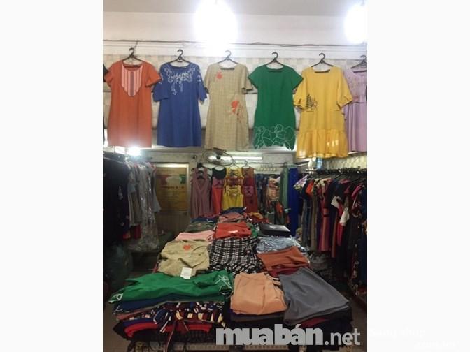 Sang shop thời trang xuất khẩu mặt tiền chợ Phạm Văn Hai