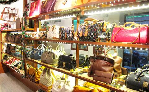 Sang shop trang sức, túi sách nữ