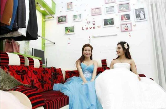 Sang studio áo cướu đường Lê Văn Lương