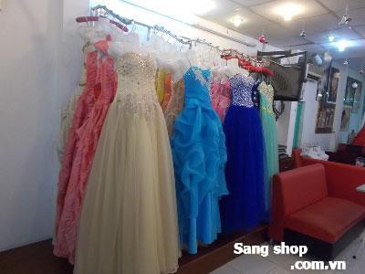 Sang tiệm áo cưới kinh doanh đông khách, Hóc Môn