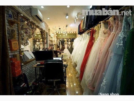 Sang tiệm áo cưới mặt tiền 112 Hồ Văn Huê, Quận Phú Nhuận.