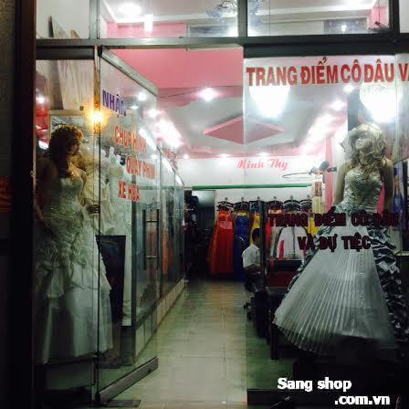 Sang tiệm áo cưới mặt tiền đường Lũy Bán Bích