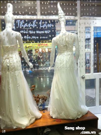 Sang tiệm áo cưới trung tâm quận Tân Bình