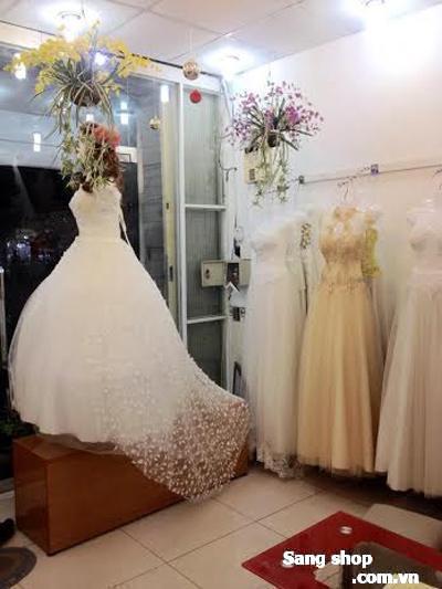 Sang tiệm áo cưới tại quận 6