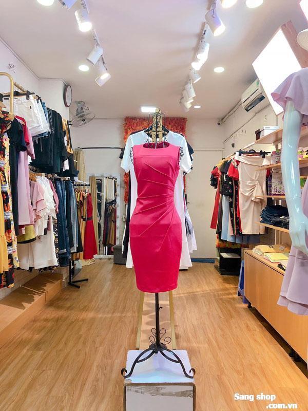 Shop nằm ngay cung đường kinh doanh nổi bật
