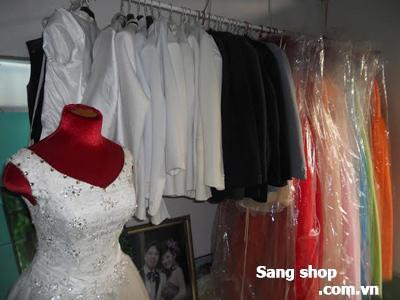 Thanh lý một số lượng áo cưới